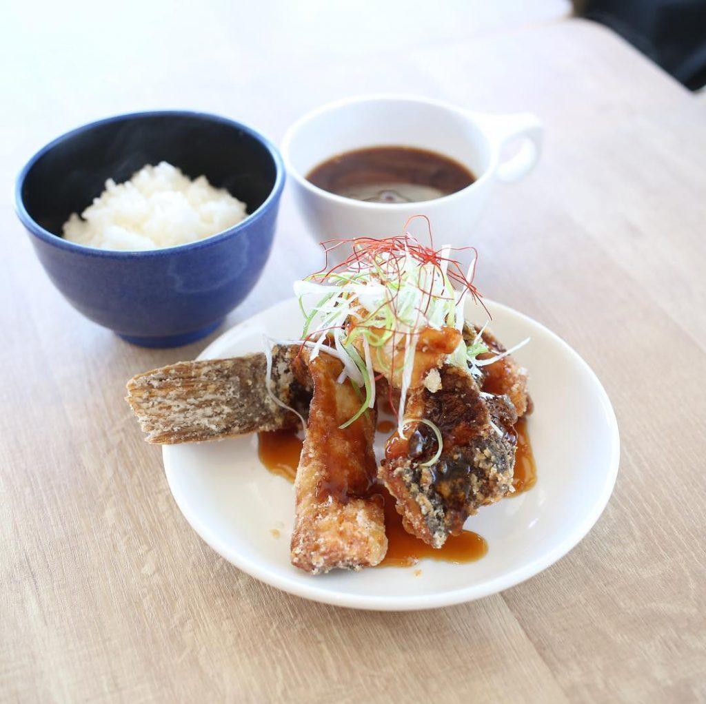 今日の500円定食の魚料理をご紹介!
