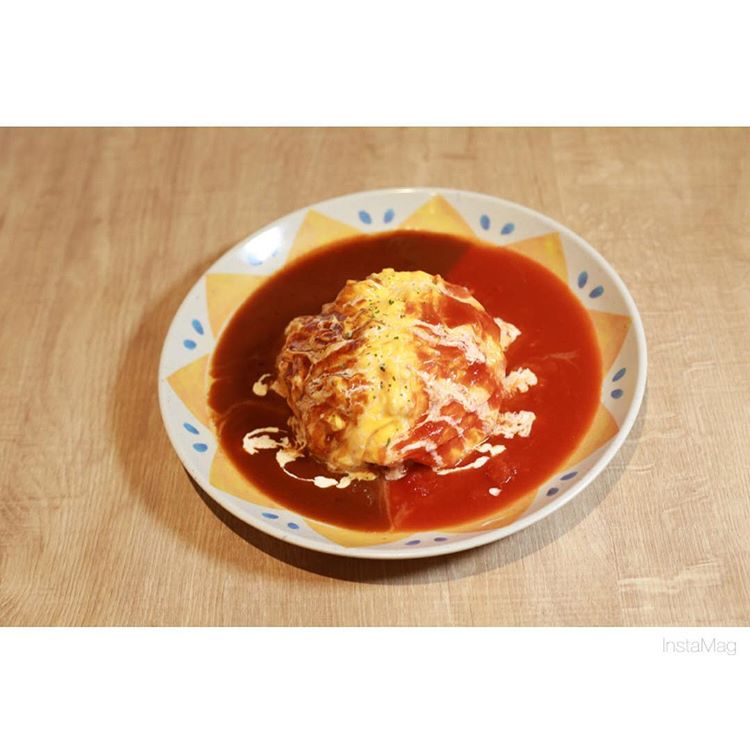 2種類が1度に味わえるダブルソースオムライス(*^^*)