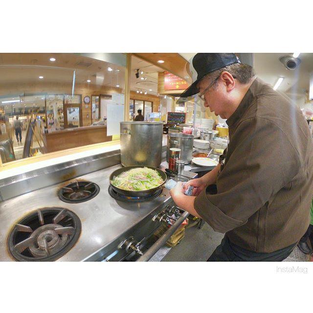 本日500円定食の肉料理メインは『ベーコンと小エビのトマトスパゲティ』♪