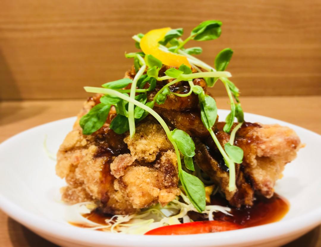 本日の500円定食の肉料理、魚料理